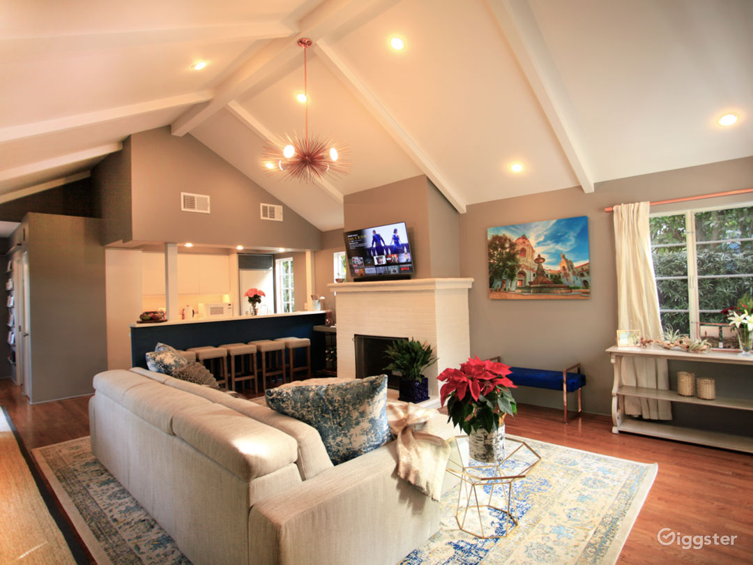 Upgraded Cottage with Raised Ceilings Photo 1