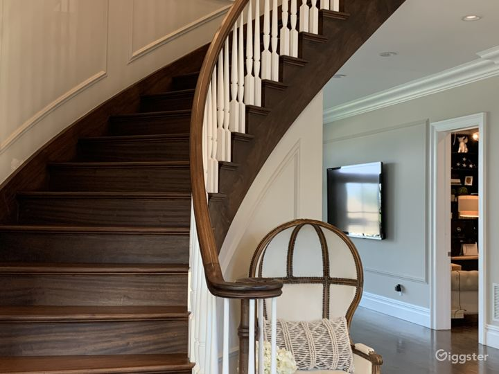 Main Floor Curved Stair Case