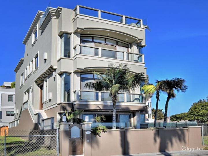 UNOBSTRUCTED Marina Del Rey home
