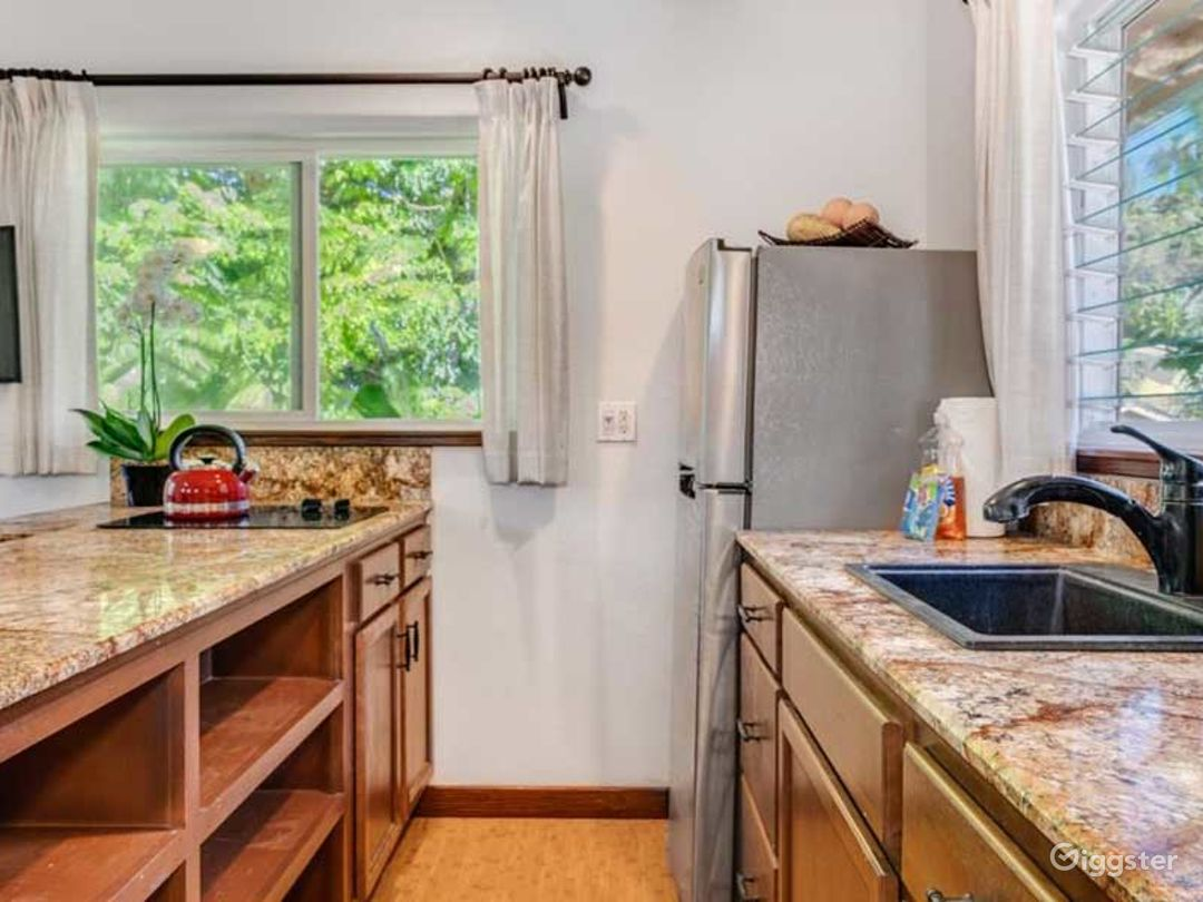 Delightful Tiny Bungalow in Hawaii Photo 1