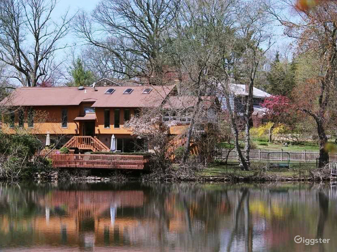 1 acre of serenity with amazing waterfront views Photo 1