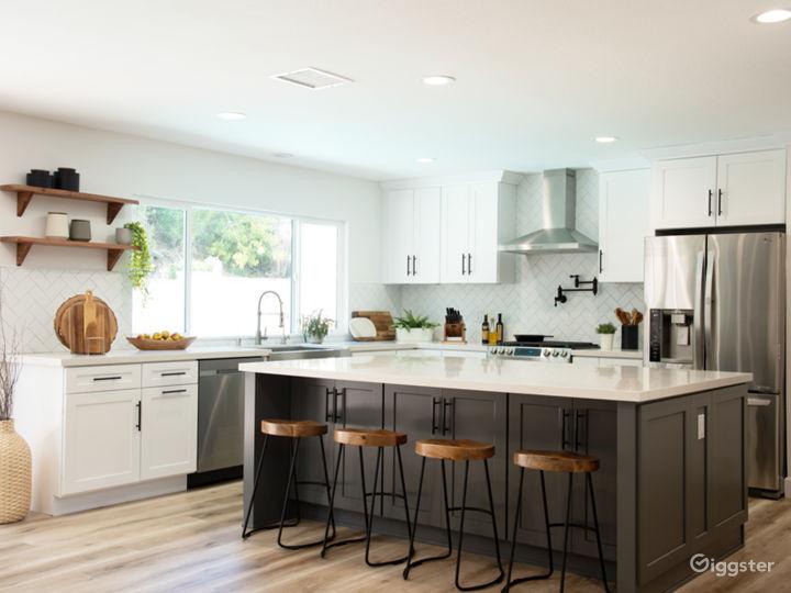 Modern Designer House with Gourmet Kitchen, Bright