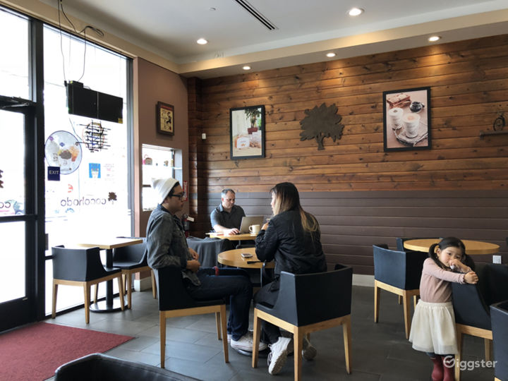 Modern Oriental Sip and Chill Cafe Photo 4
