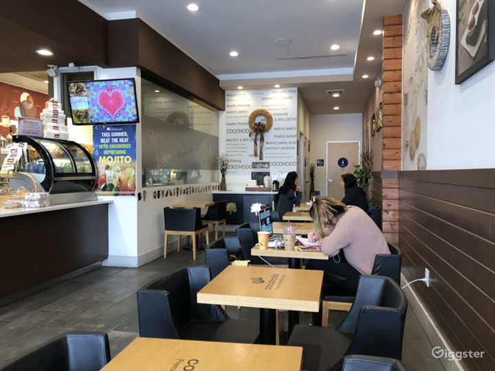 Modern Oriental Sip and Chill Cafe Photo 2