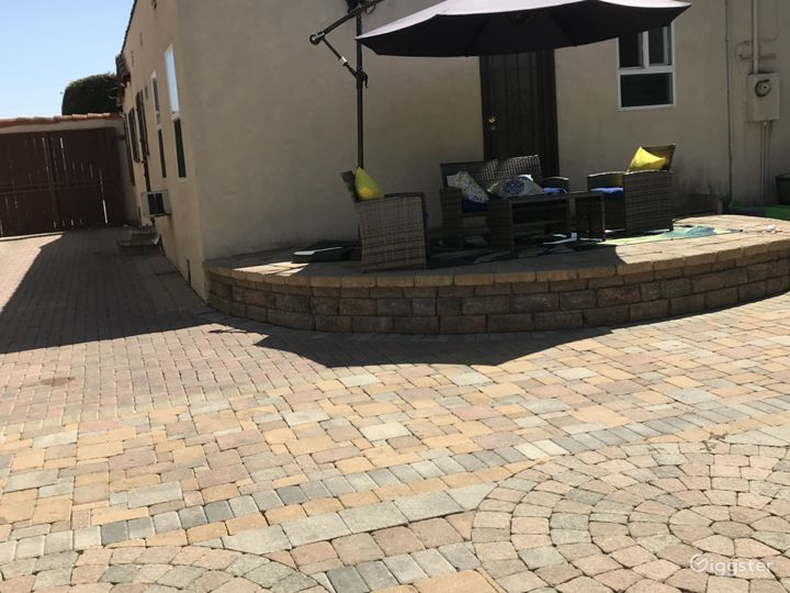 The driveway and lounge area is where you can provide food or entertainment.