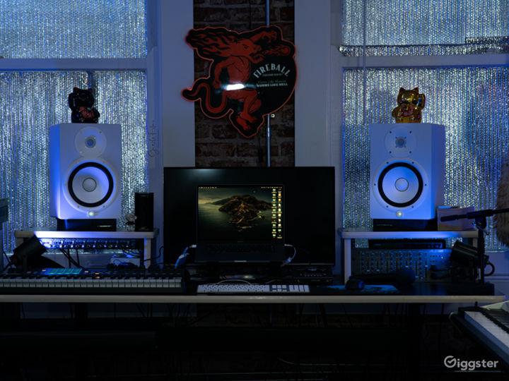 Artistic Recording Studio Space! Photo 2
