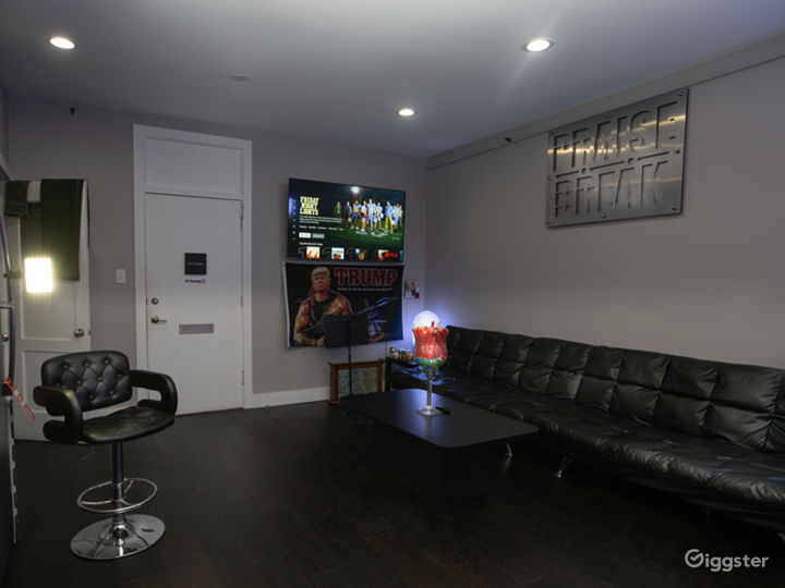 Artistic Recording Studio Space! Photo 3
