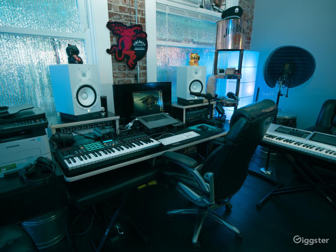 Artistic Recording Studio Space! Photo 1