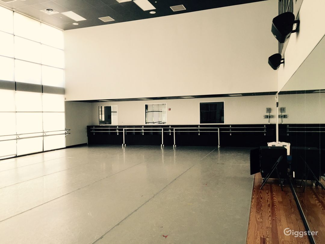 Beautiful Windowed Dance Studio Photo 4