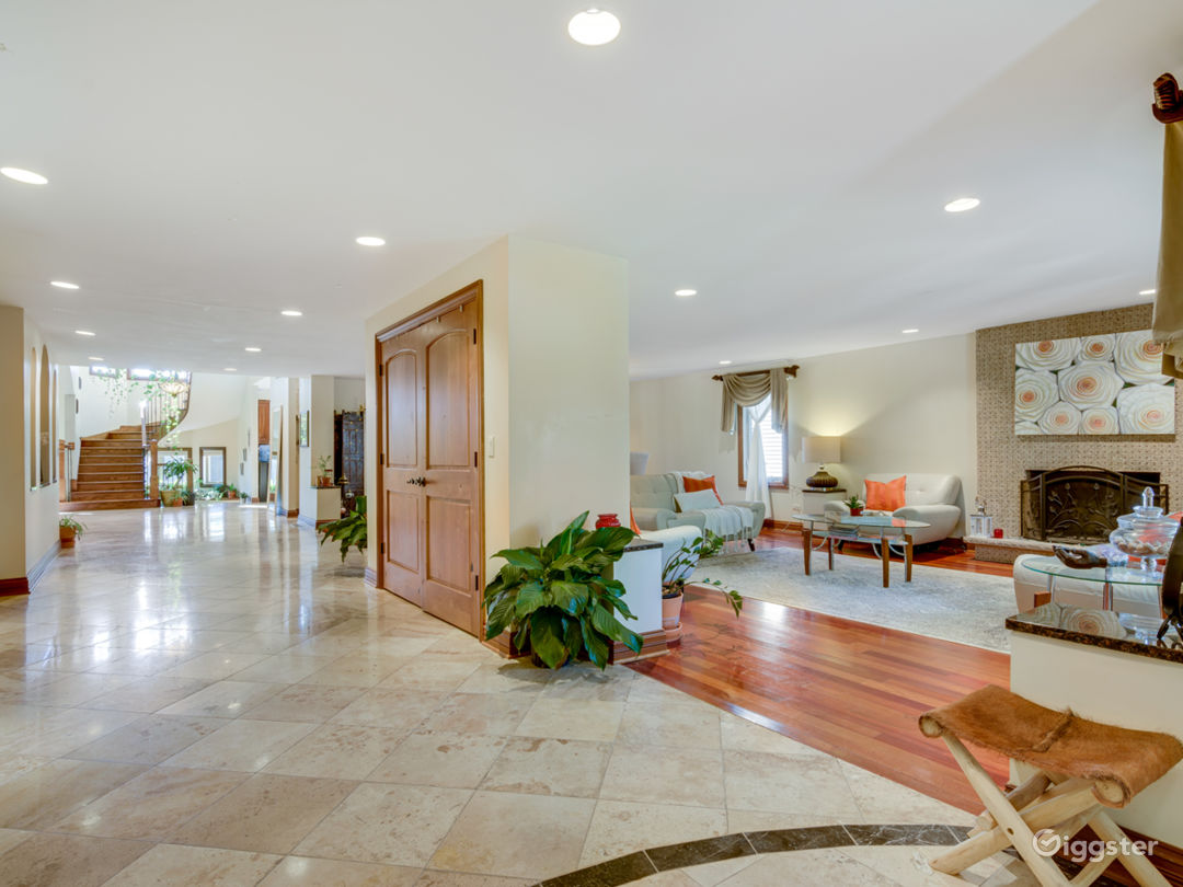 Main Floor Entrance Hallway