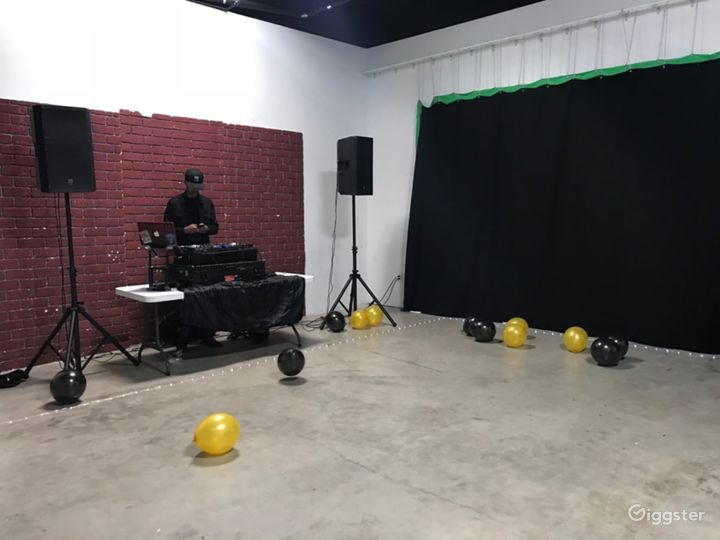 Perfect Studio for a Variety of Events in Houston Photo 5