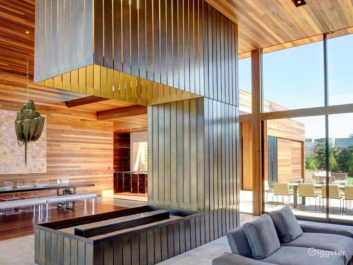 Modern Hamptons home: Location 5260 Photo 2