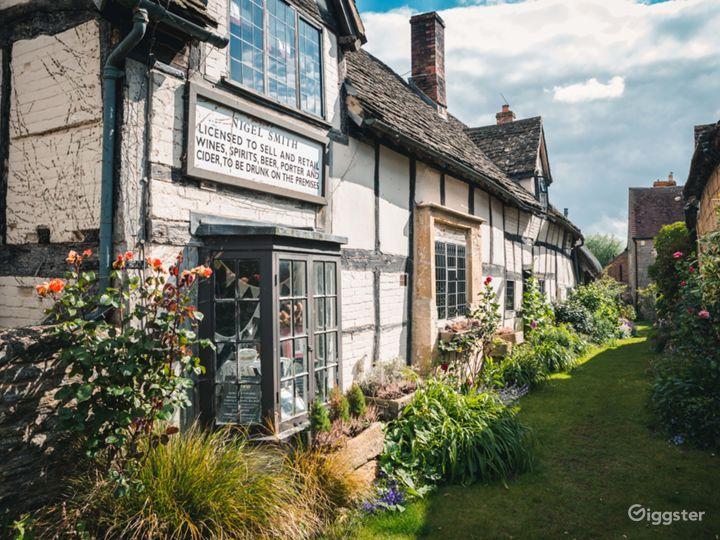Medieval Barn, Quintessential English Country Pub Photo 3