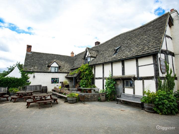Medieval Barn, Quintessential English Country Pub Photo 2