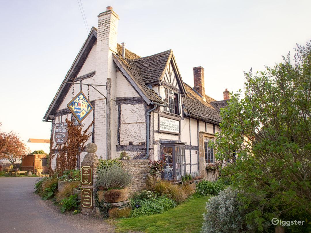 Medieval Barn, Quintessential English Country Pub Photo 1