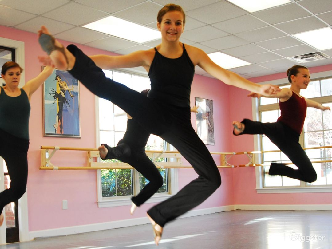 Dance Studio Building in Nashville for all Dance Events & Birthday Parties Photo 1