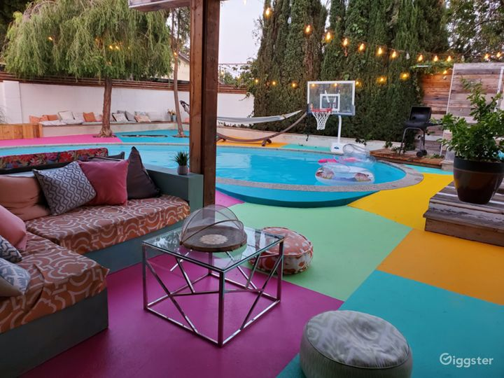 Gorgeous backyard perfect for any occasion Photo 2