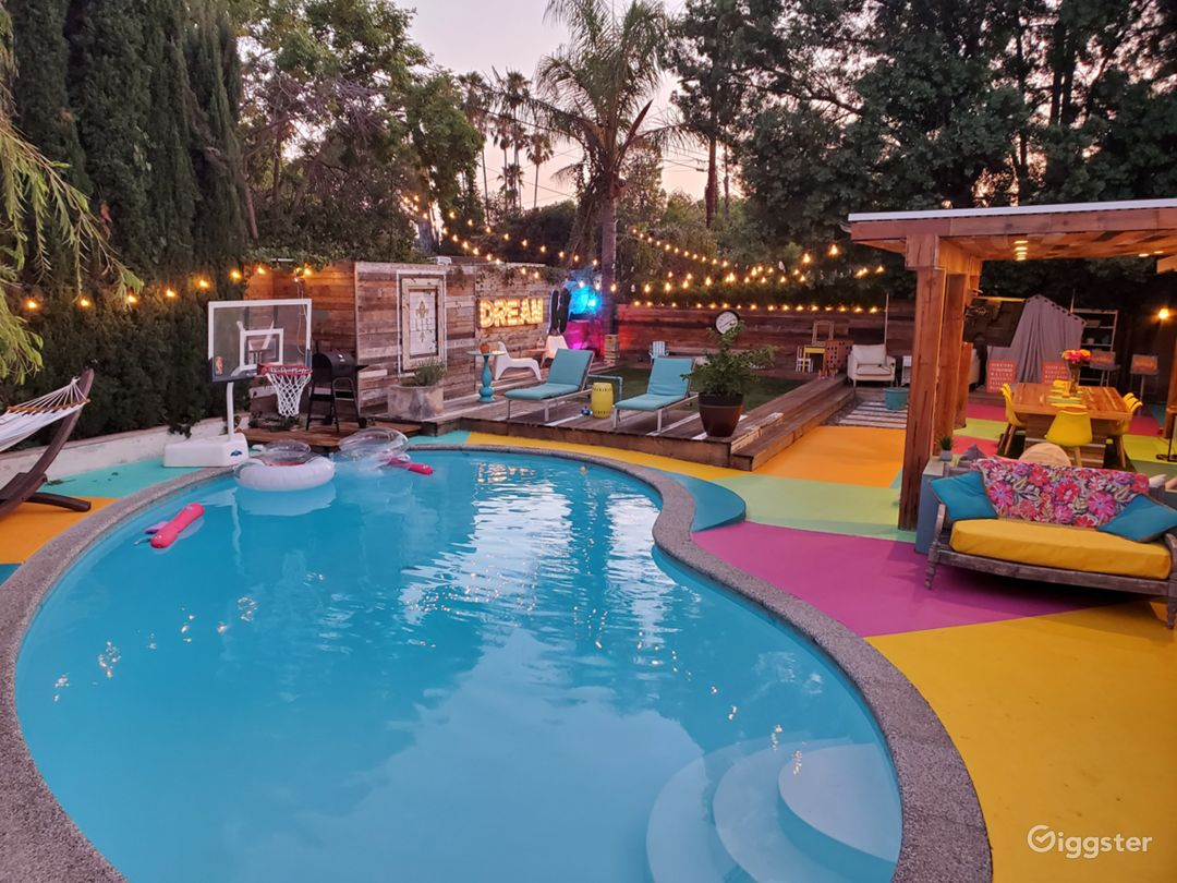 Gorgeous backyard perfect for any occasion Photo 1