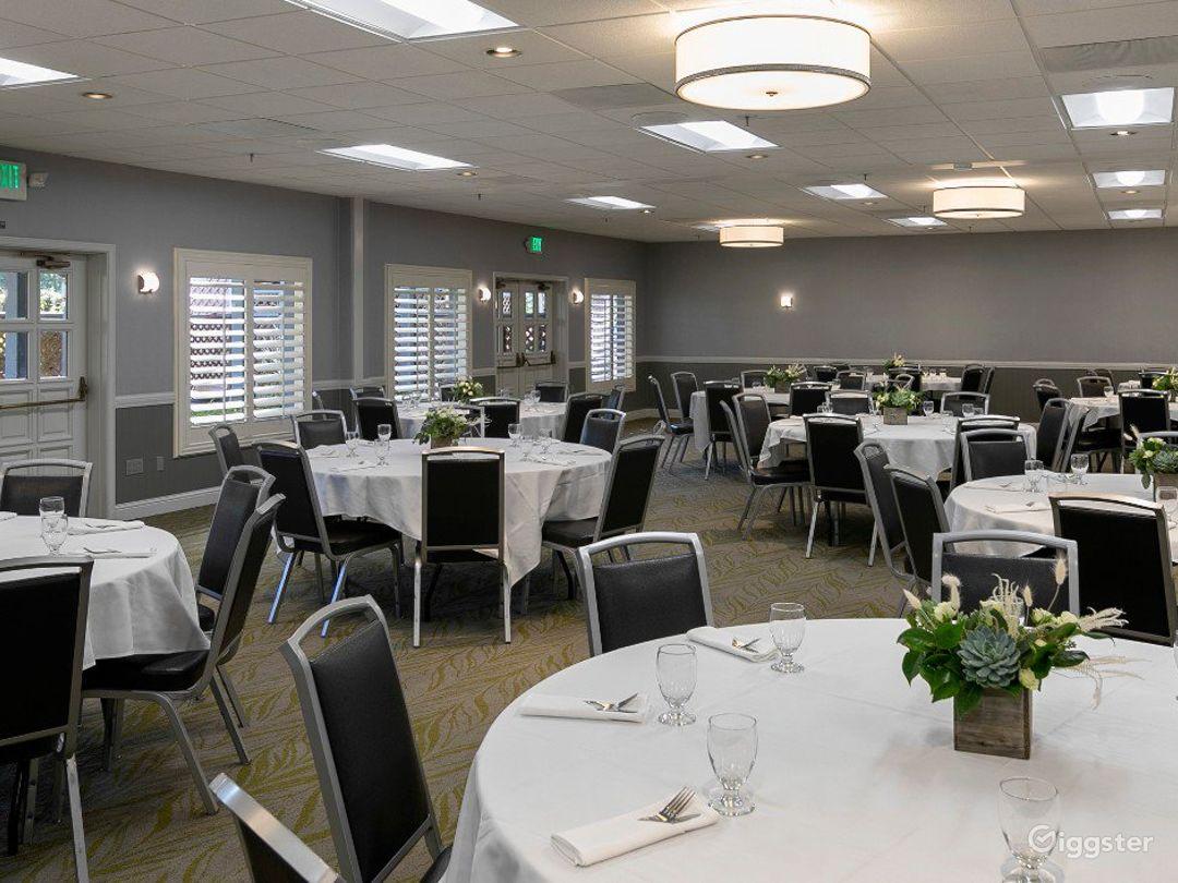 Charming Hotel Event Hall Photo 1
