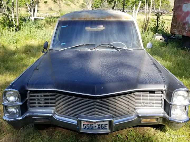 Abandoned cars and mechanic garage at Ranch Photo 5