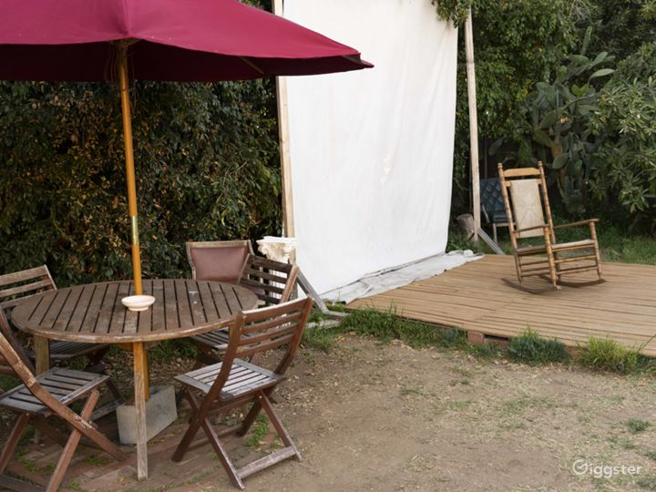 Creative Outdoor Natural Light Studio in Pasadena Photo 2