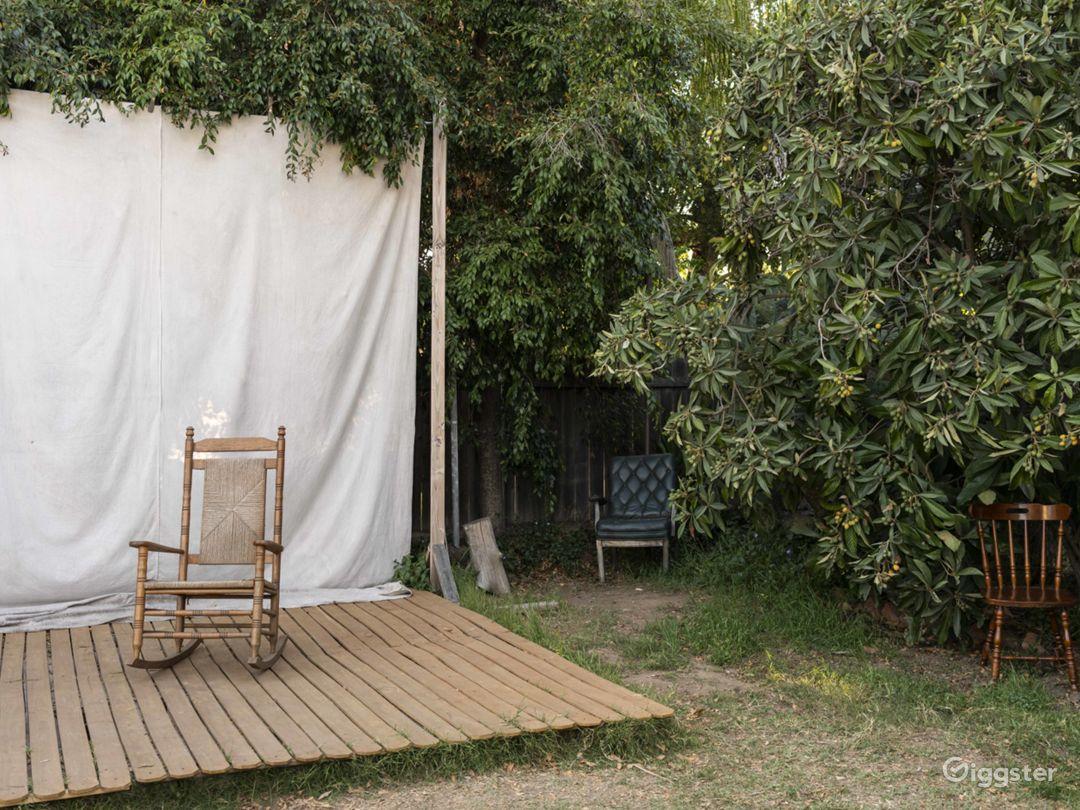 Creative Outdoor Natural Light Studio in Pasadena Photo 1