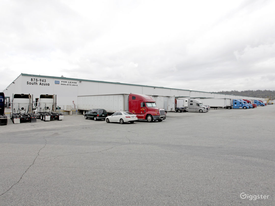 Custom Office/Warehouse Space for Lease  Photo 3