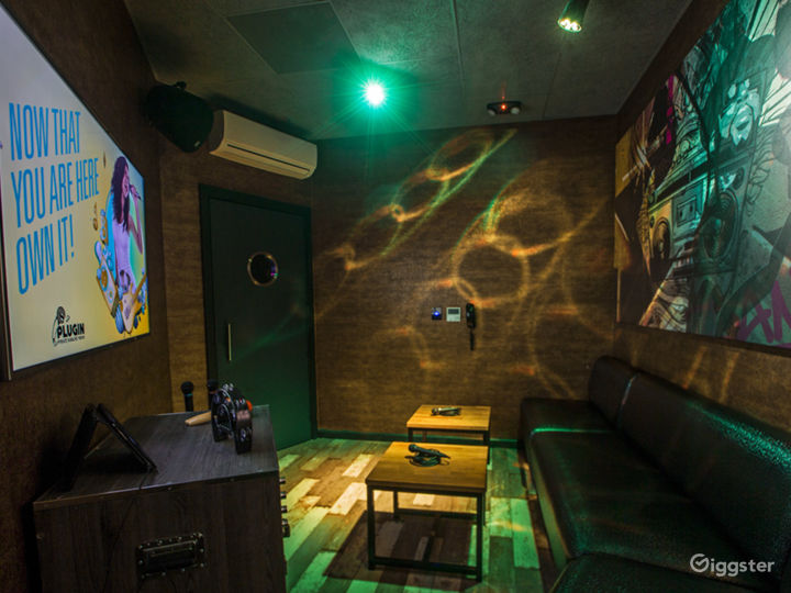 Private Karaoke Room No.13 Photo 3