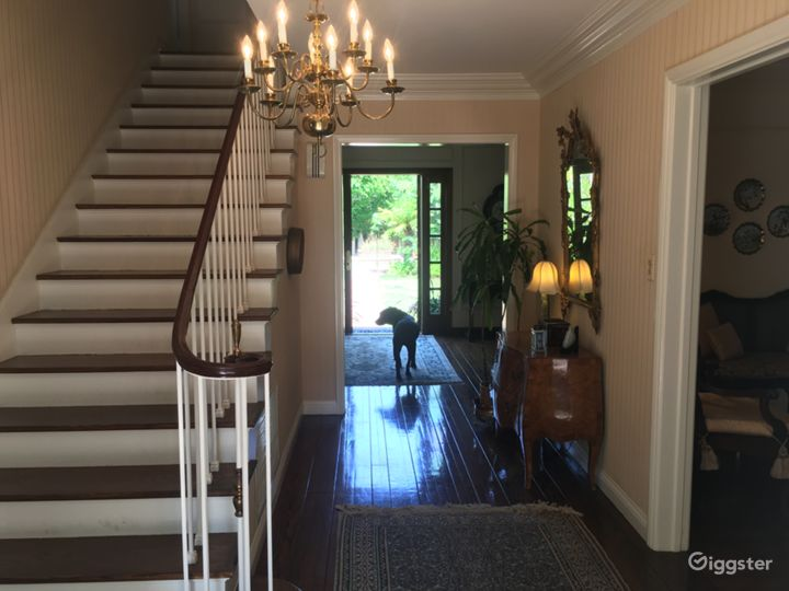 Traditional Beverly Hills 90210 home. Photo 5