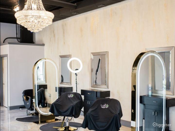 Luxurious Beauty Salon  Photo 5