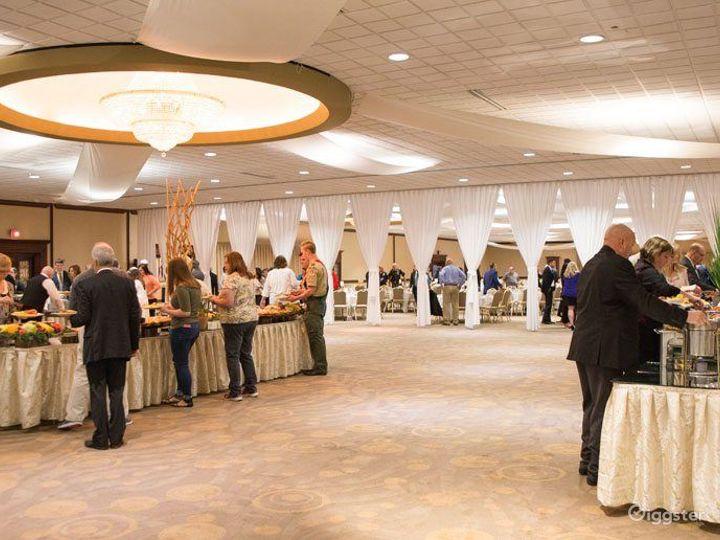 Large Grand Ballroom in Ohio Photo 2