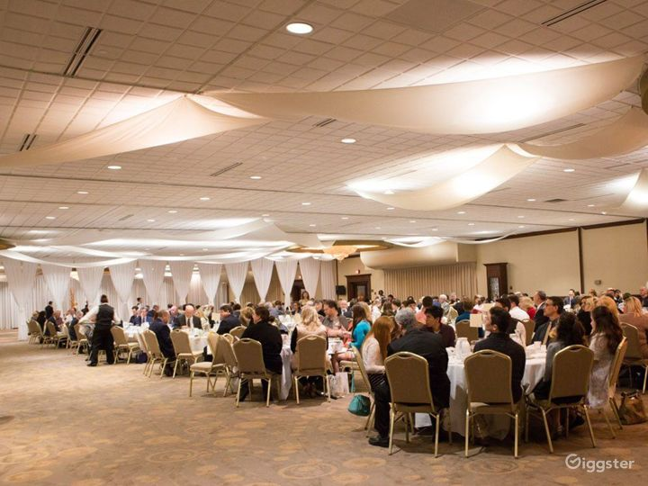 Large Grand Ballroom in Ohio Photo 4