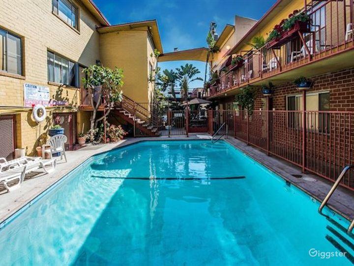 Paradise Outdoor Pool in LA Photo 5