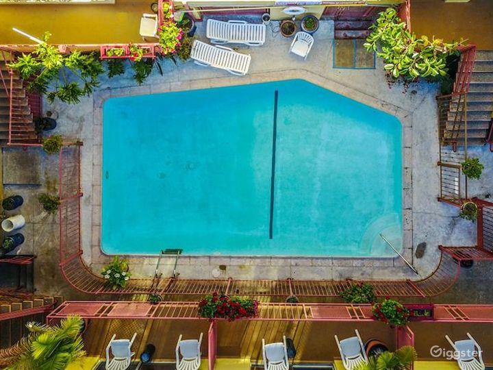 Paradise Outdoor Pool in LA Photo 2