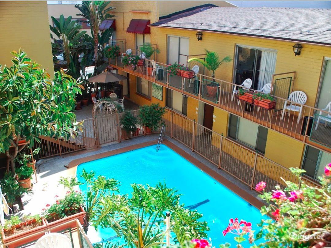 Paradise Outdoor Pool in LA Photo 1