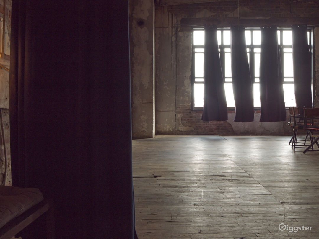 Industrial Warehouse Photo 1