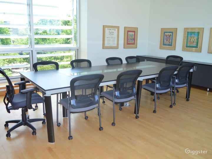 Stylish Boardroom in Vancouver Photo 3