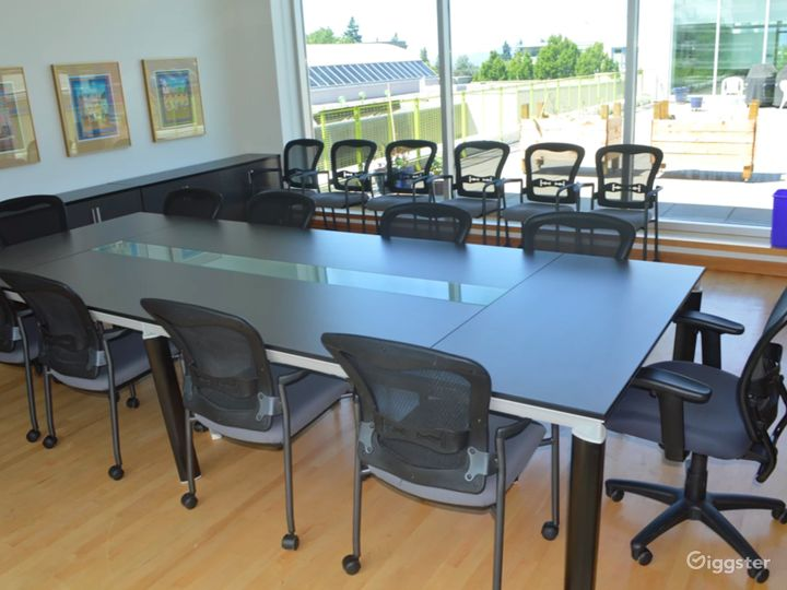 Stylish Boardroom in Vancouver Photo 5