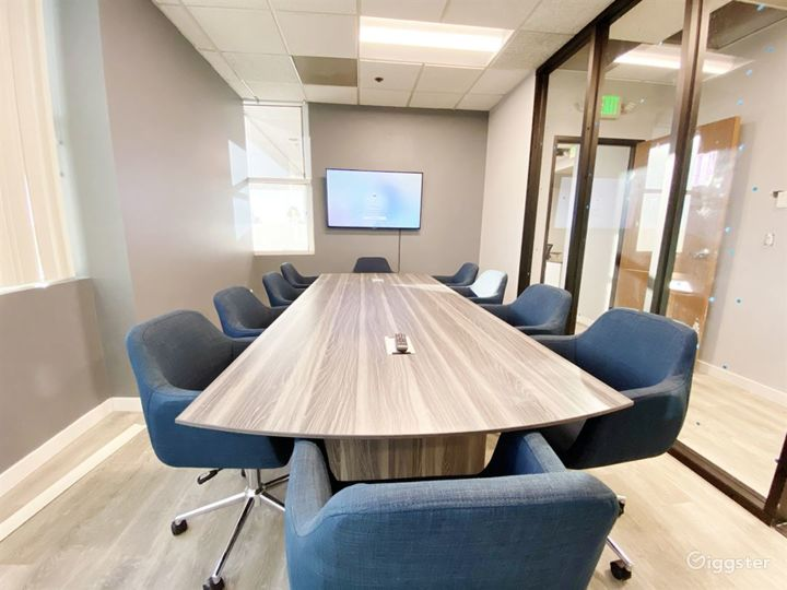 Ventura Conference Room for 10 People