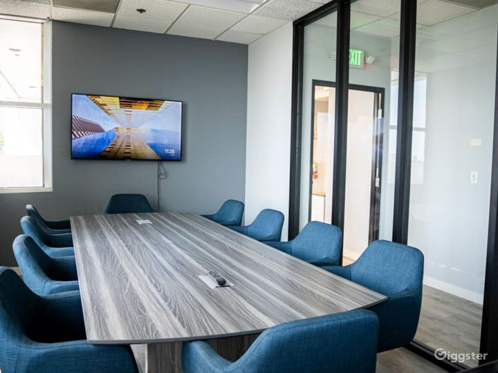 Ventura Conference Room for 10 People Photo 3