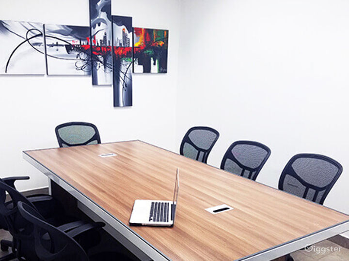 Ventura Conference Room for 10 People Photo 5