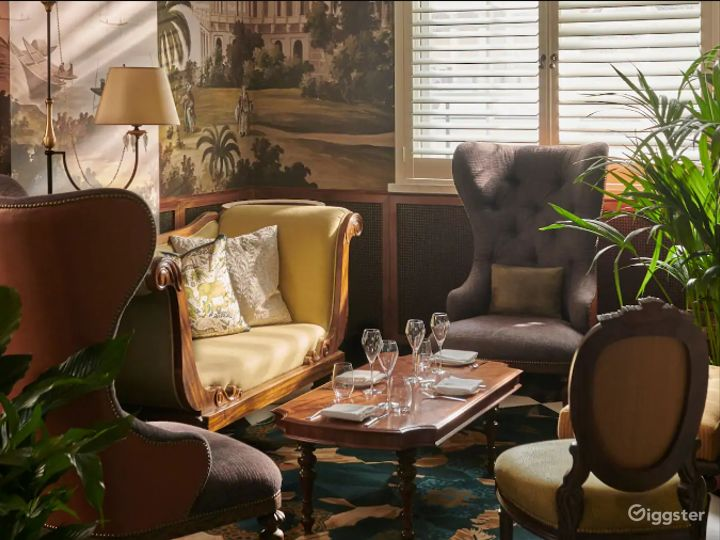 Cozy Afternoon Tea Room in London Photo 2