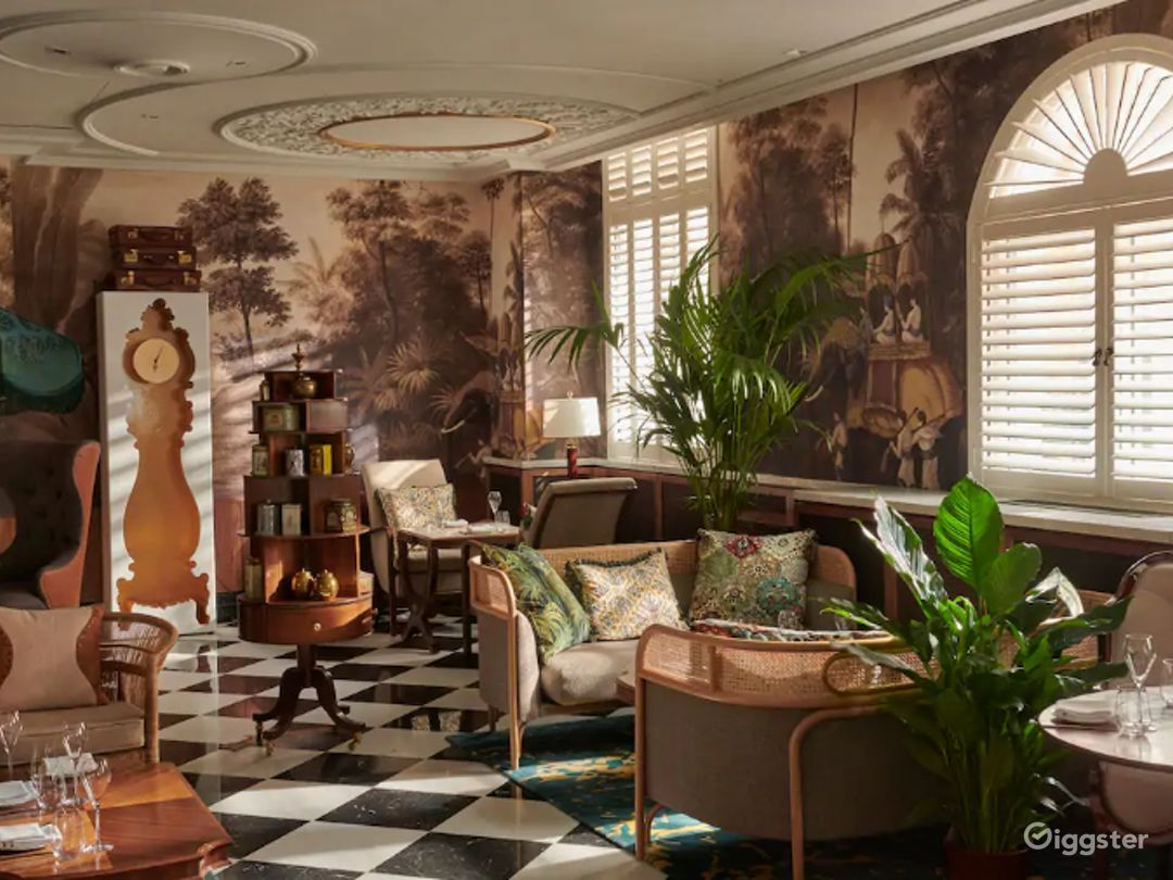 Cozy Afternoon Tea Room in London Photo 1
