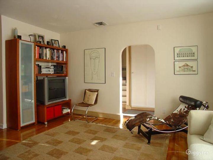 Mid century style suburban home: Location 4187 Photo 3