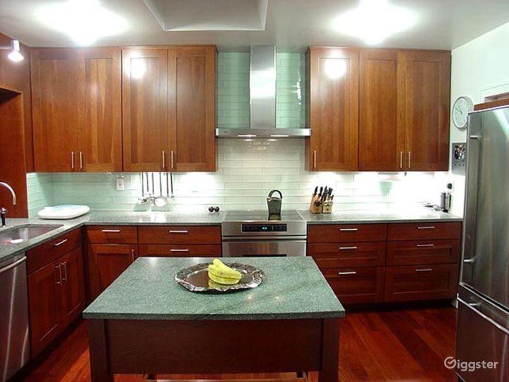 Mid century style suburban home: Location 4187 Photo 2