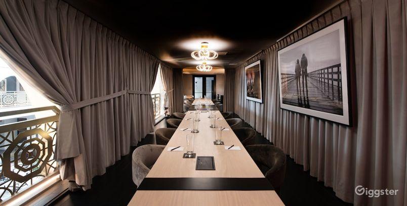 Private Conference Room in LA Photo 1