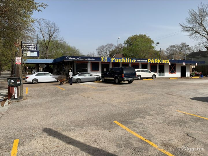 Washer-Laundry Business with plenty of parking spaces in Houston Texas Photo 5