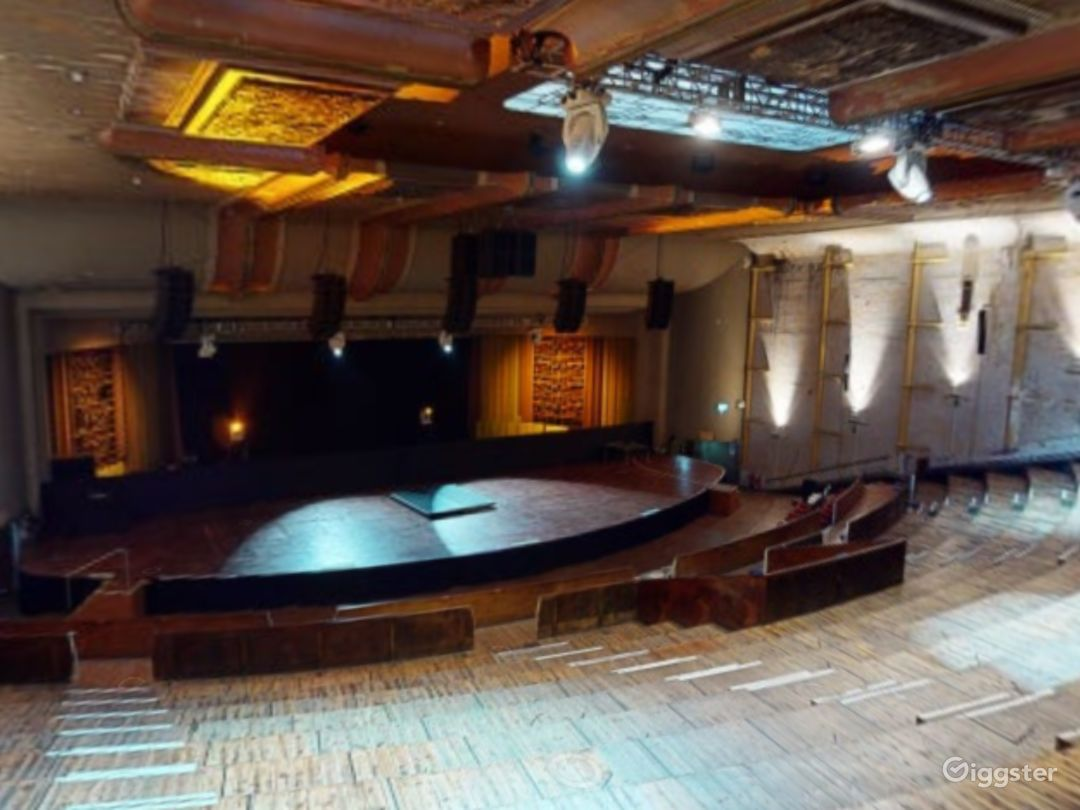 Theatre with Glorious Features in Shoreditch Photo 1