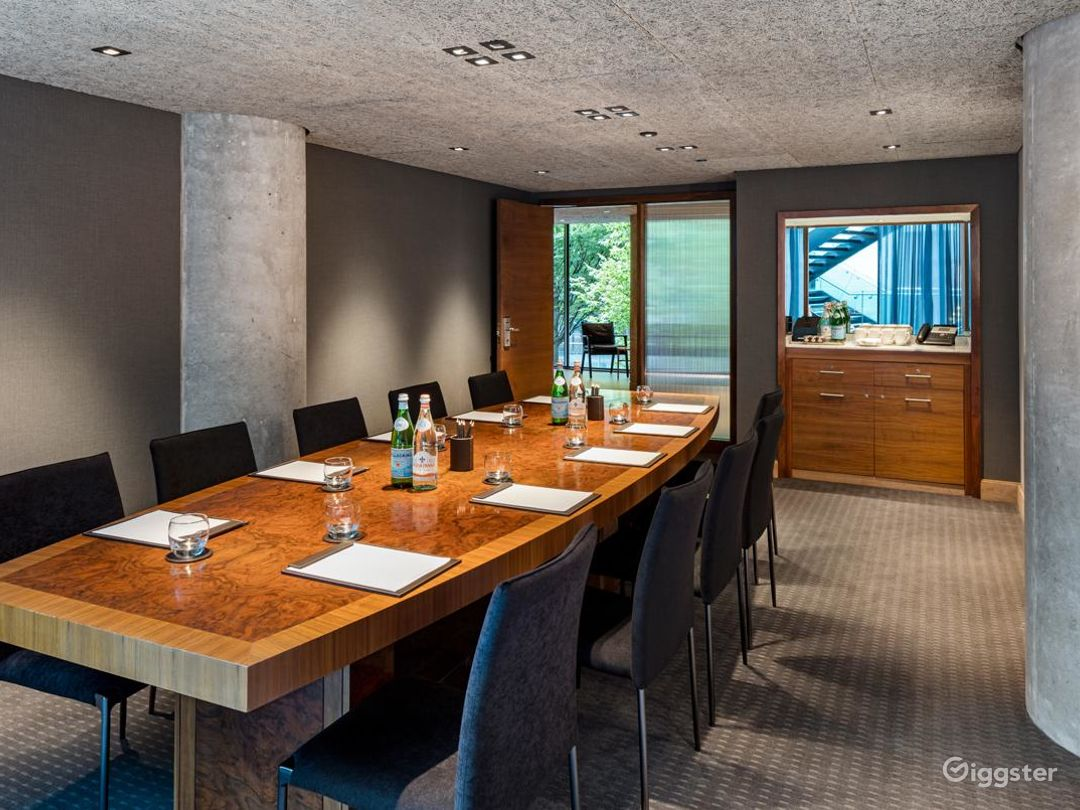 Modern Private Room 3 in Manchester  Photo 1