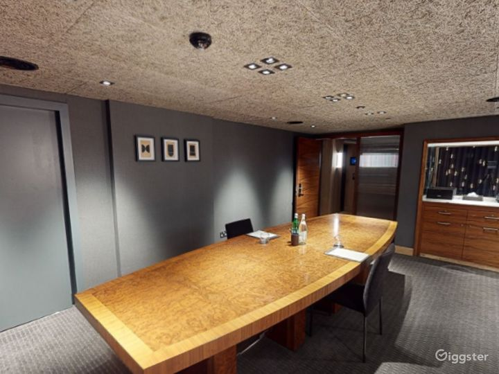 Modern Private Room 3 in Manchester  Photo 2